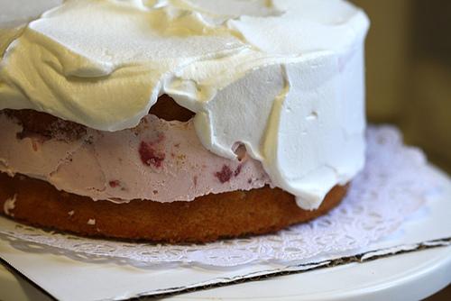 Bake Off: Strawberry & Vanilla Ice Cream Cake | The People St. Clair ...